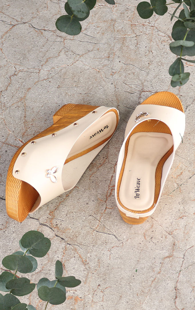 White-Beige Flip-flop Wedges