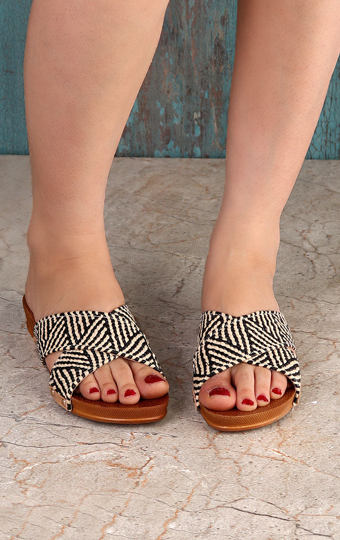 Black-white Slip-on Wedges