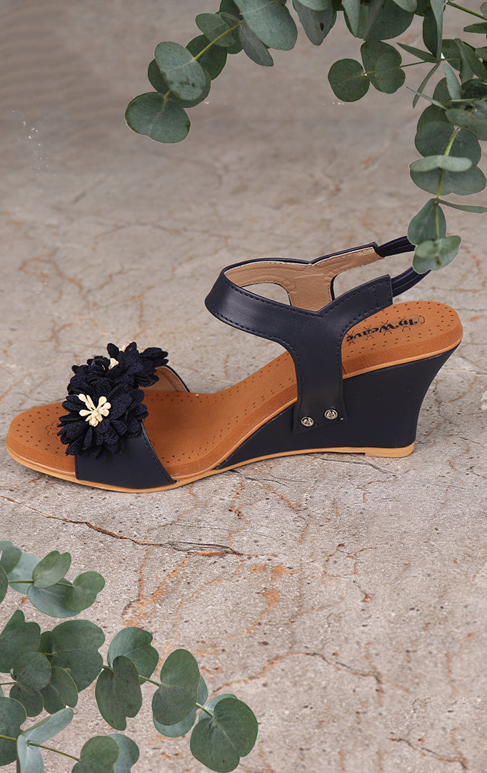 Blooming Flower Wedges In Navy