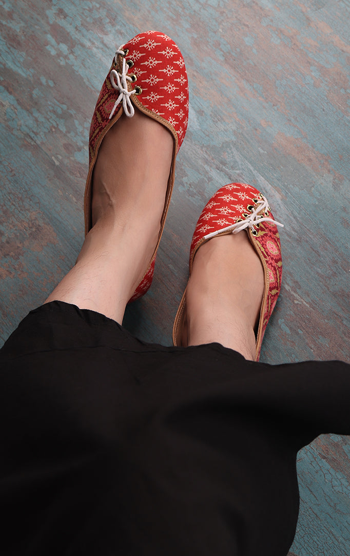 Vermillon Fabric Bellies With Decorative Laces