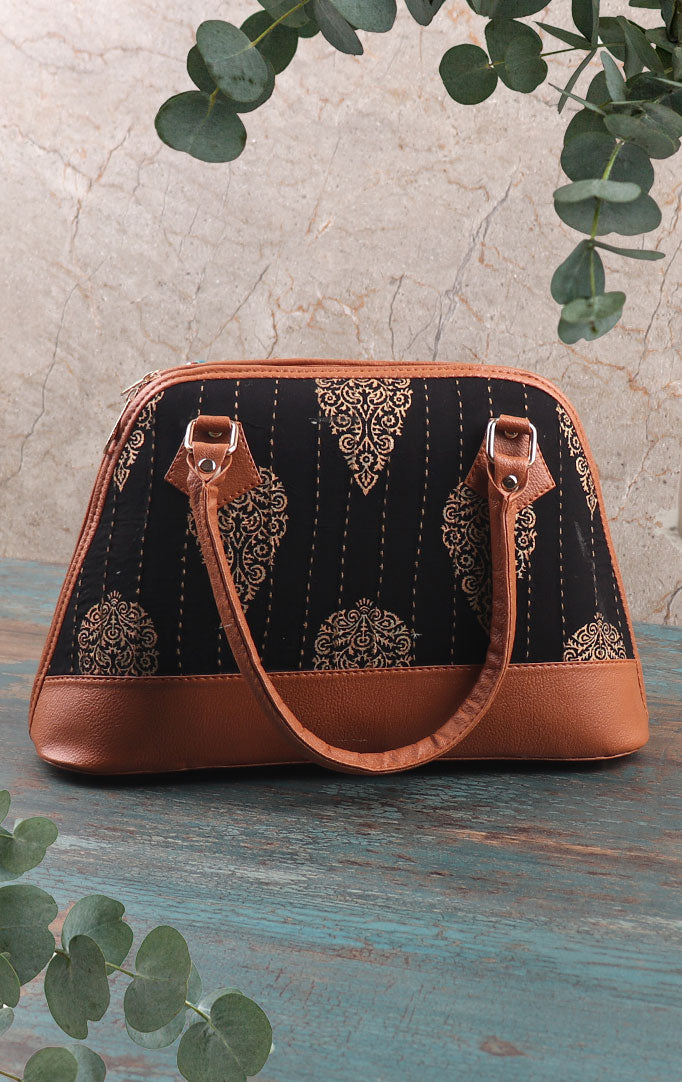 Nonchalant me Handbag With Tan Detailing