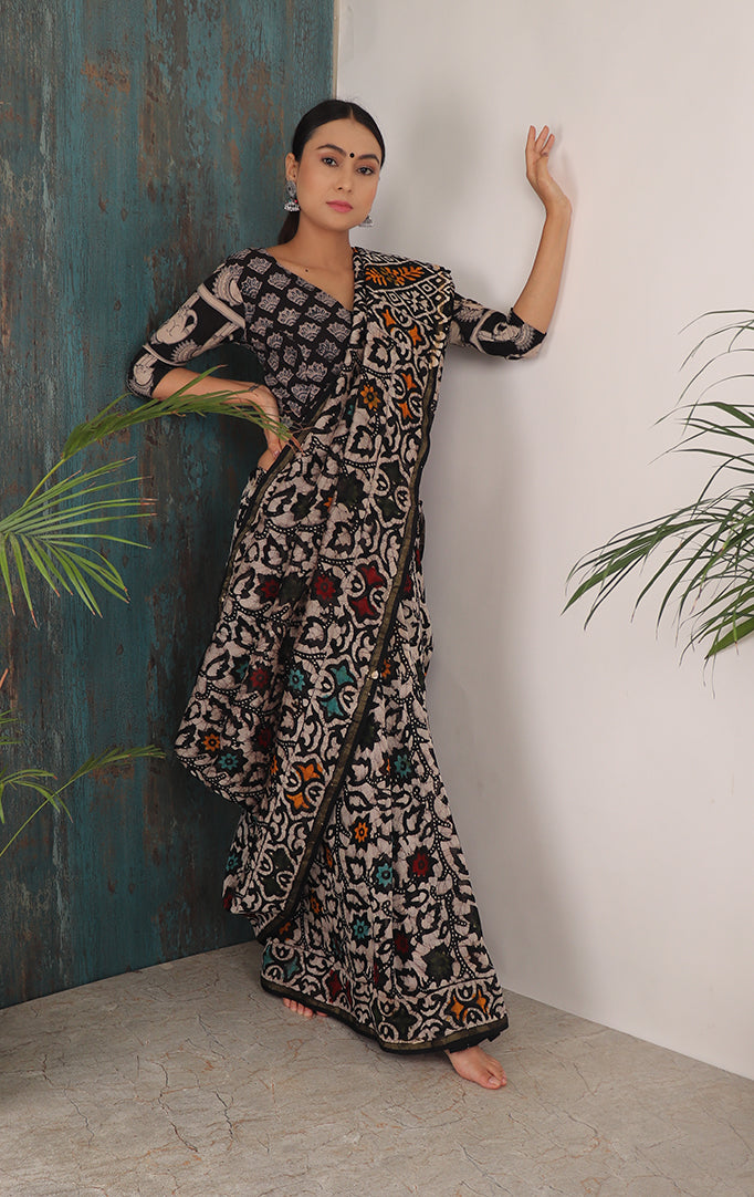 ARTISTIC FLAVOUR SAREE IN DARK BASE