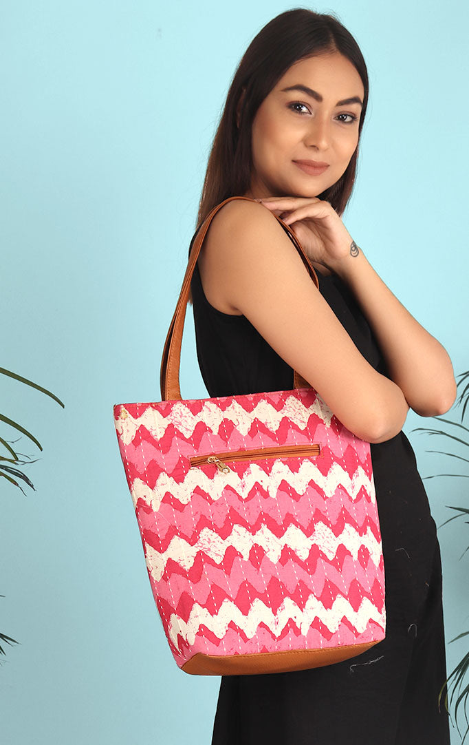 Waves Of Goa Tote Bag