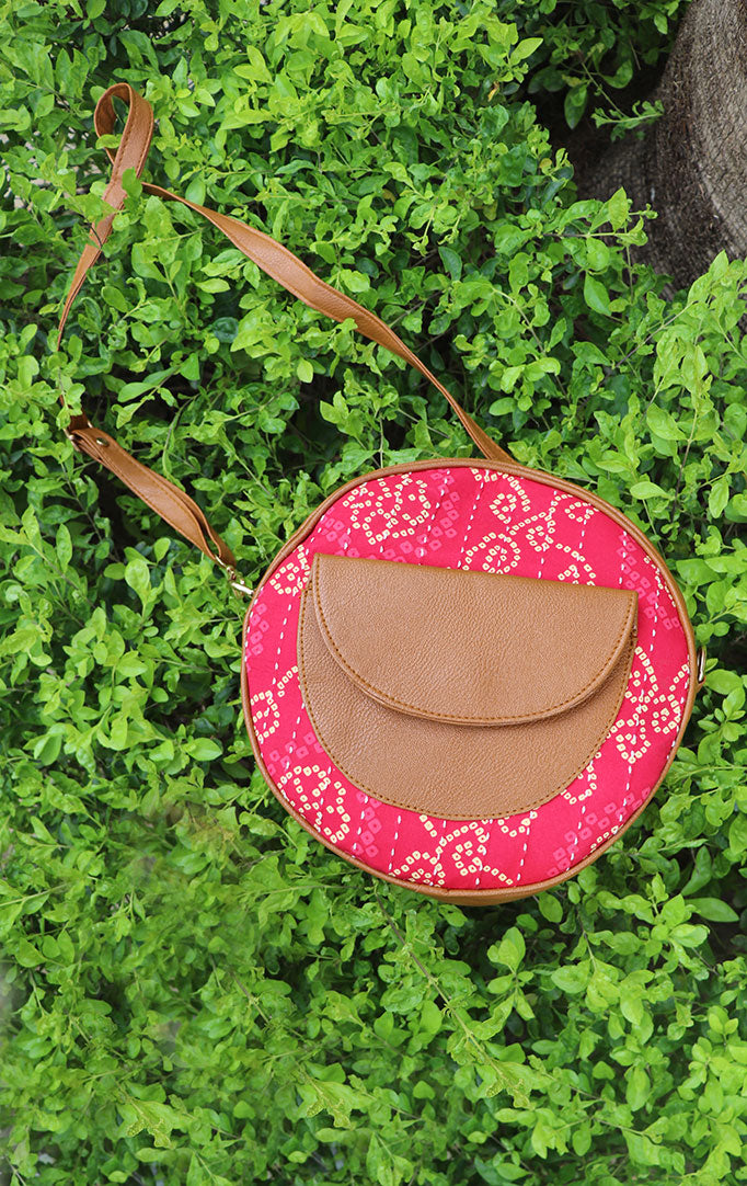 QUIRKY SOUL ROUND SLING BAG