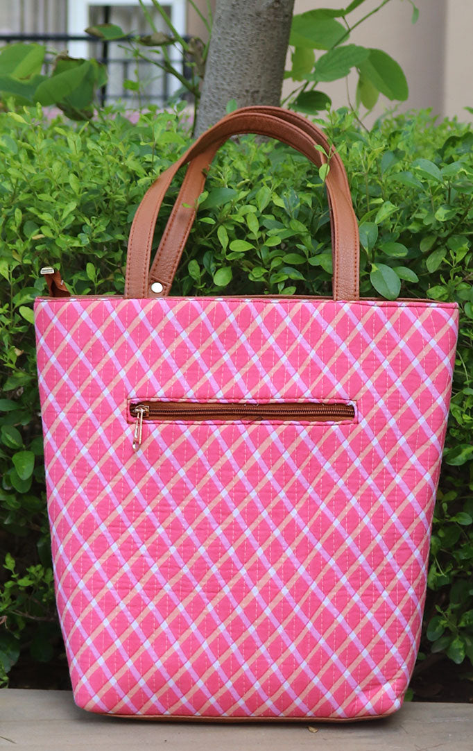 CHECKMATE TOTE BAG IN PINK