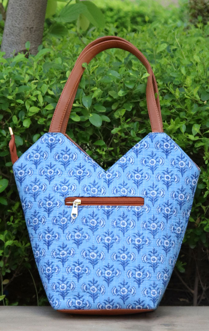 QUIRK FACTORY TOTE BAG IN BLUE