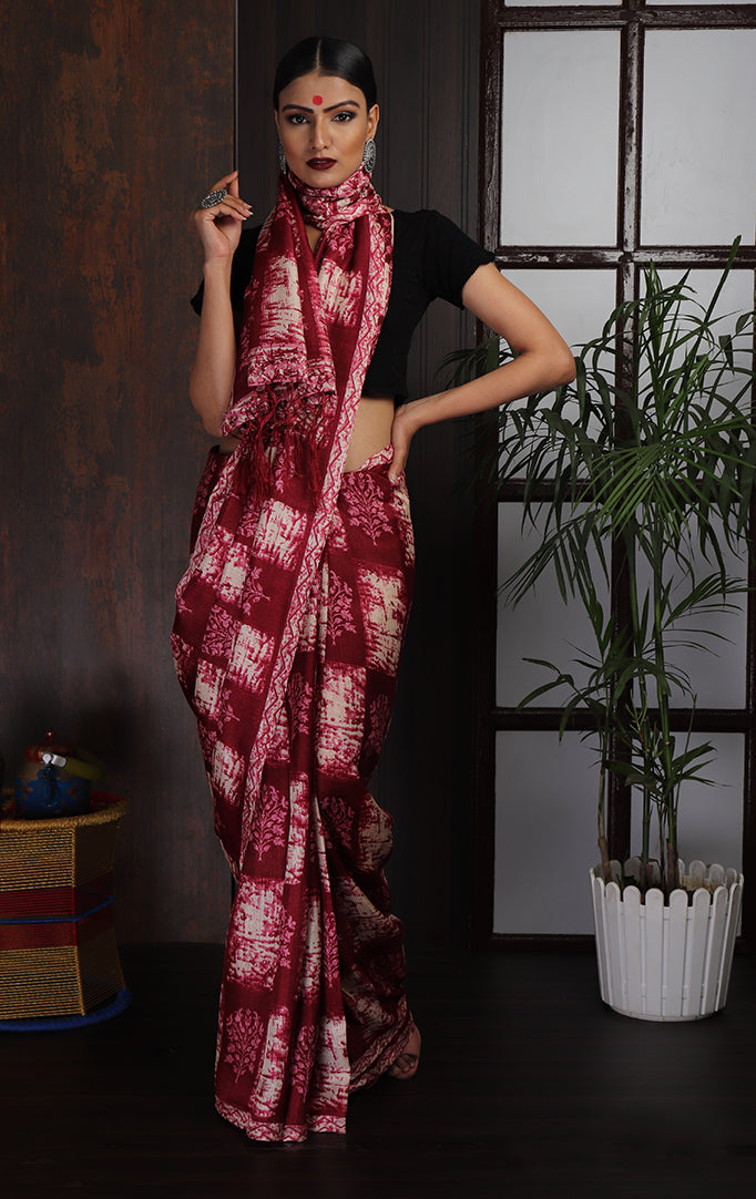 Square-printed Saree in White & Magenta