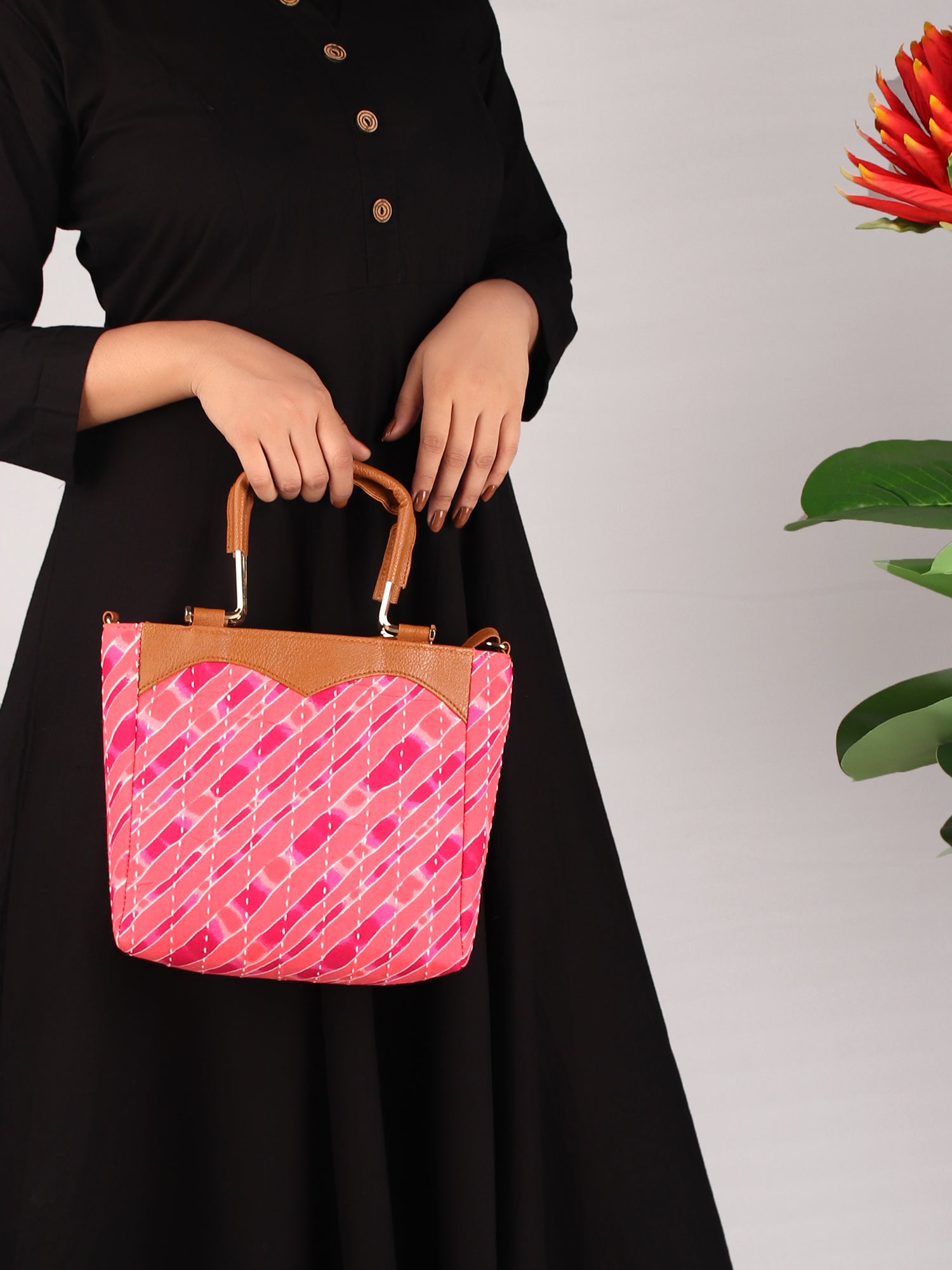PINK AND PEACHES STRIPED PRINT HANDBAG WITH HANDLE