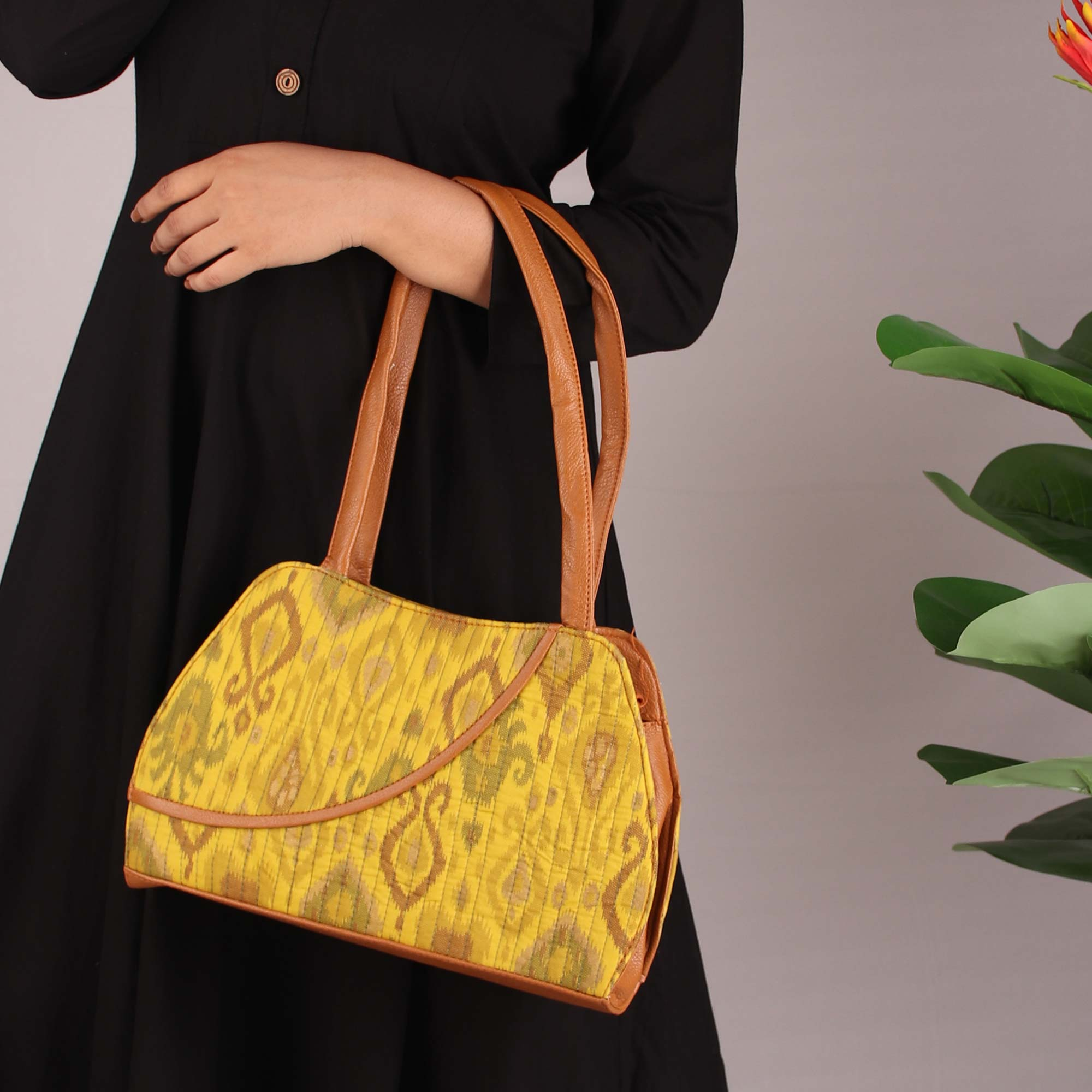 GYPSY SOUL HANDBAG IN YELLOW