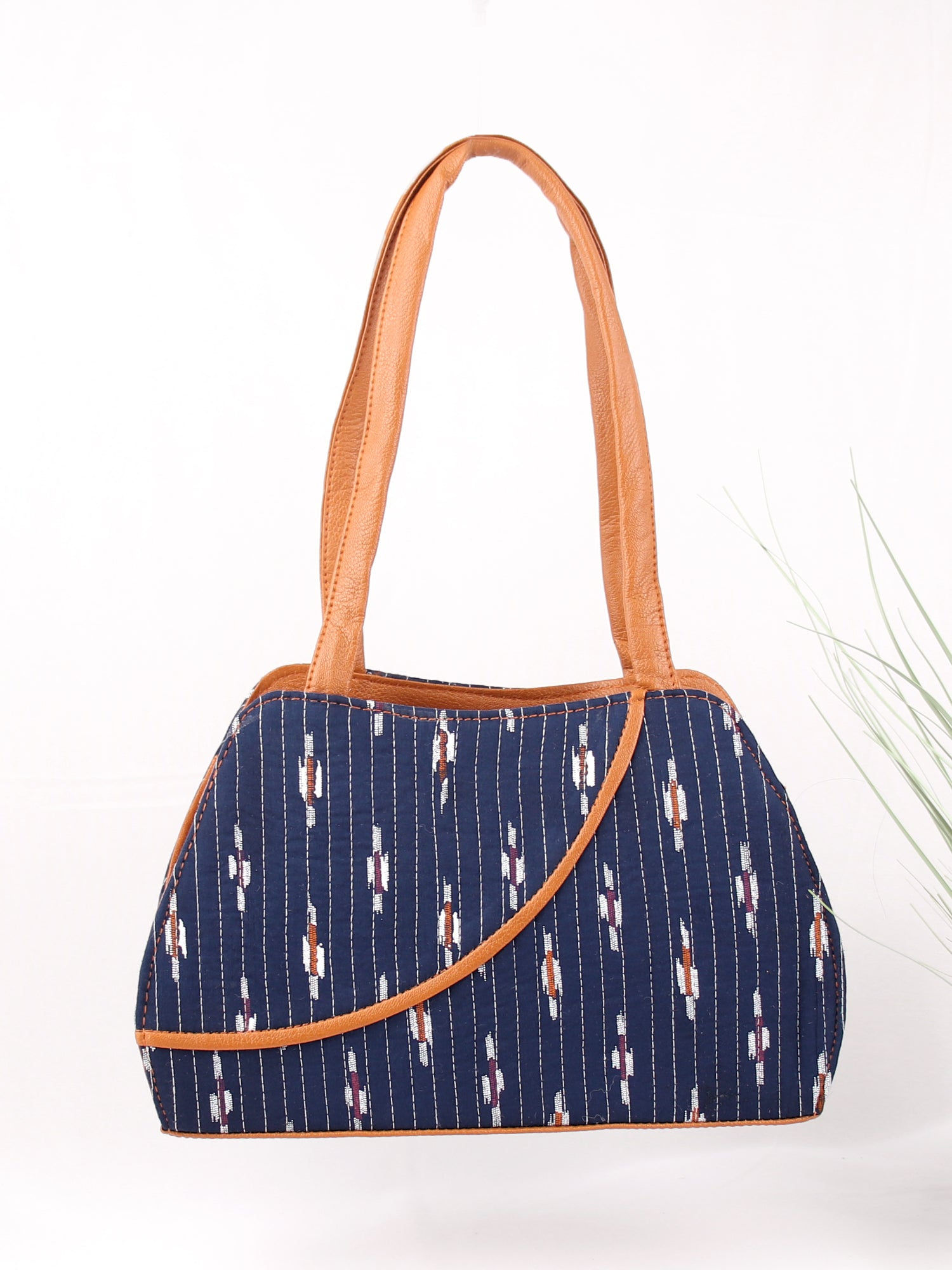 GYPSY SOUL HANDBAG IN NAVY