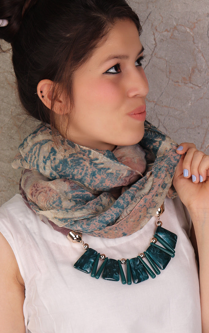 Beige-teal shaded necklace stole