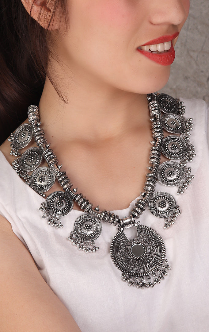 Circular Motifs Metal Necklace