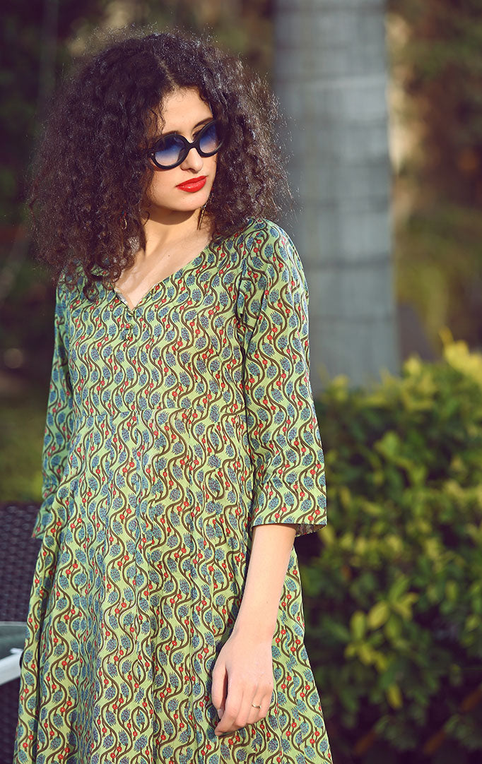 Green Curvy Lines Printed Dress