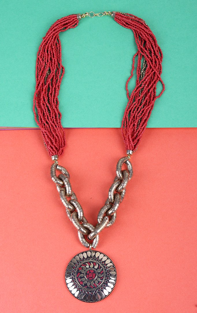 Wanderer's Spirit Necklace Set in Red