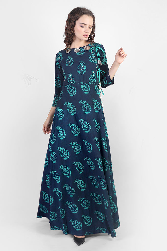 Cotton Printed Dress with Attractive Neck Design
