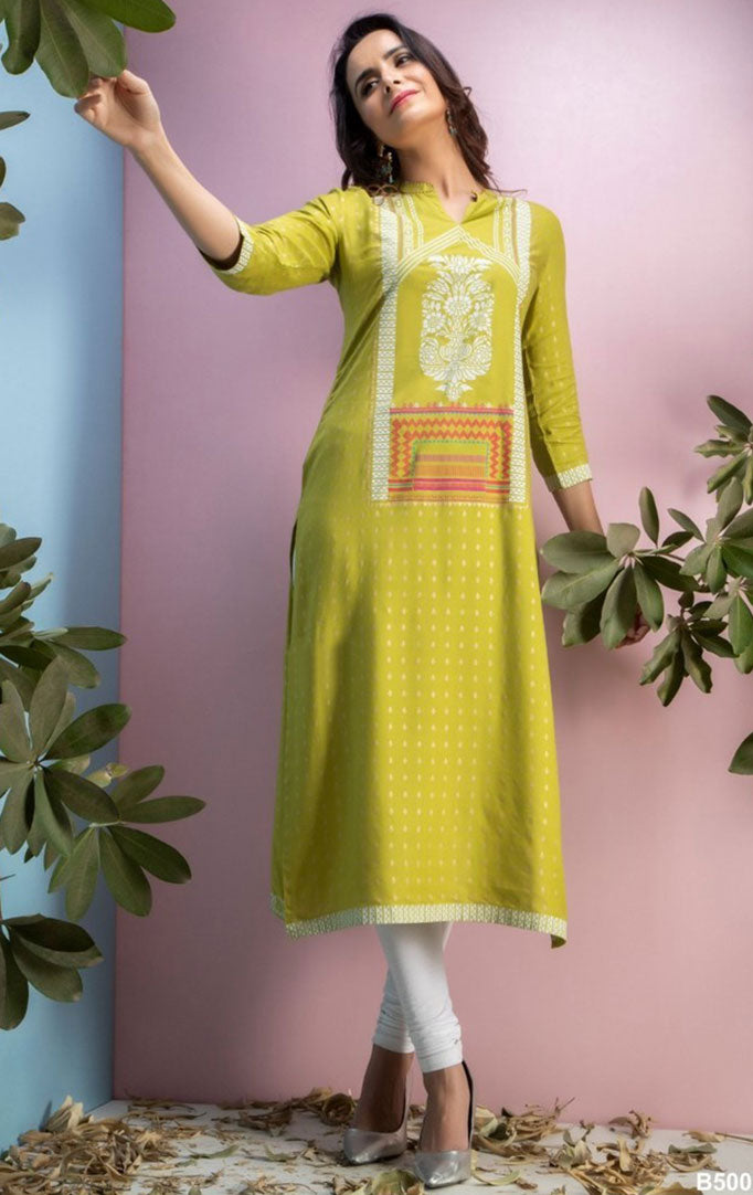 Gracious Green Kurta With Three Quarter Sleeves