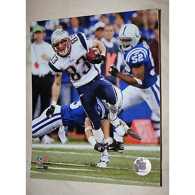 "2007 NFL Licensed Wes Welke #83 New England Patriots Full Color 8""x10"" Photo"