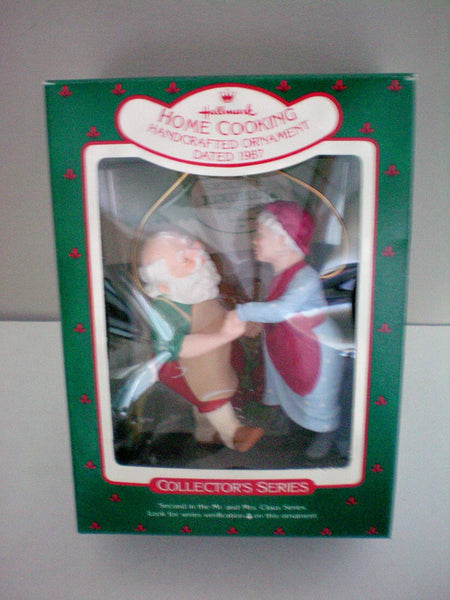 Hallmark 1987 Home Cooking Christmas Tree Ornament QX483-7