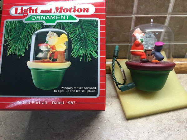 Hallmark 1987 Perfect Portrait Light & Motion Christmas Tree Ornament QLX7019