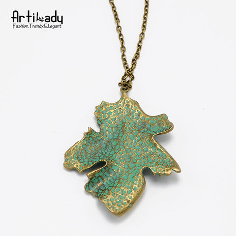 Stylish Necklace with Green Leaf Pendant
