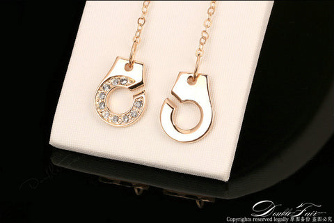 Fashionable Necklace with Handcuffs Lock System Pendant - MyShimi.com