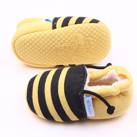 First Walkers Crib Shoes  with Cute Cartoon Design for Babies (Unisex) - MyShimi.com
