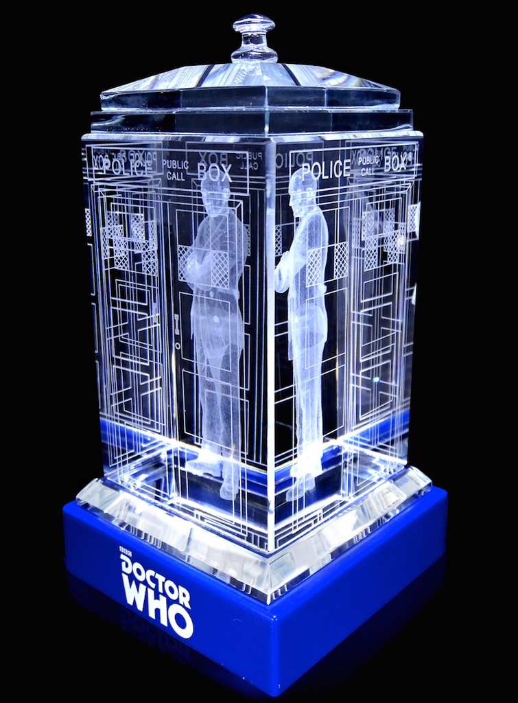 Christopher Eccleston of Doctor Who laser-engraved in a crystal TARDIS replica on an LED-lit base