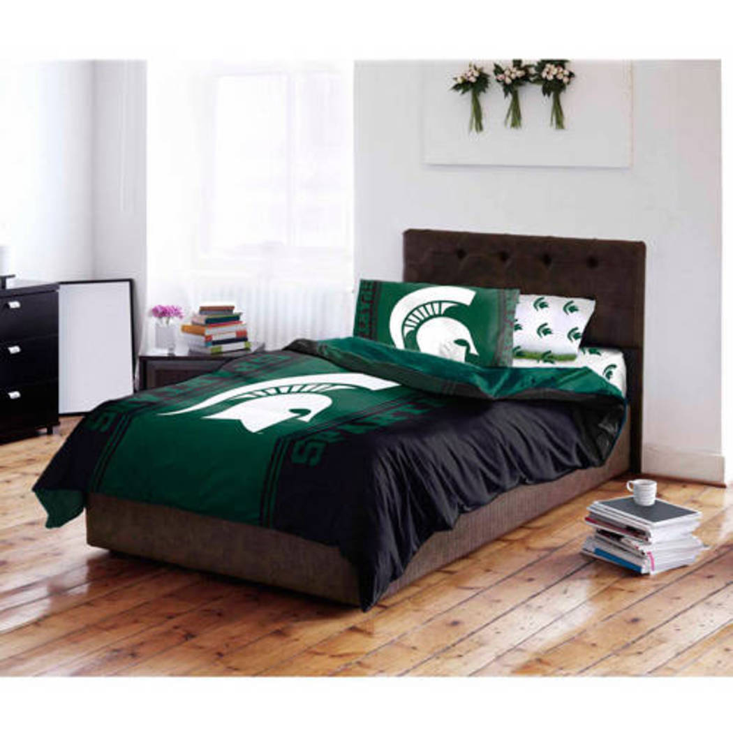 NCAA Michigan State University Spartans Comforter Set Sports Patterned Bedding Team Logo Fan Merchandise Team Spirit College Basket Ball Themed
