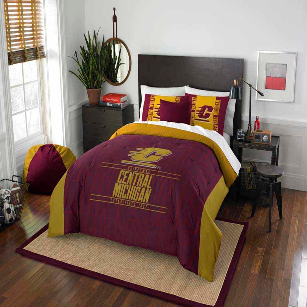 NCAA Central Michigan Chippewas Comforter Set Sports Patterned Bedding Team Logo Fan Merchandise Team Spirit College Basket Ball Themed
