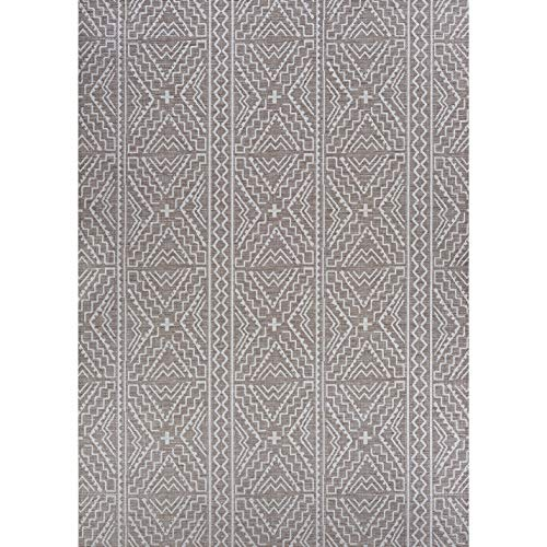 "Tan Indoor/Outdoor Runner Rug 2'3"" X 7'10"" Ivory Geometric Transitional Rectangle Polypropylene Contains Latex"