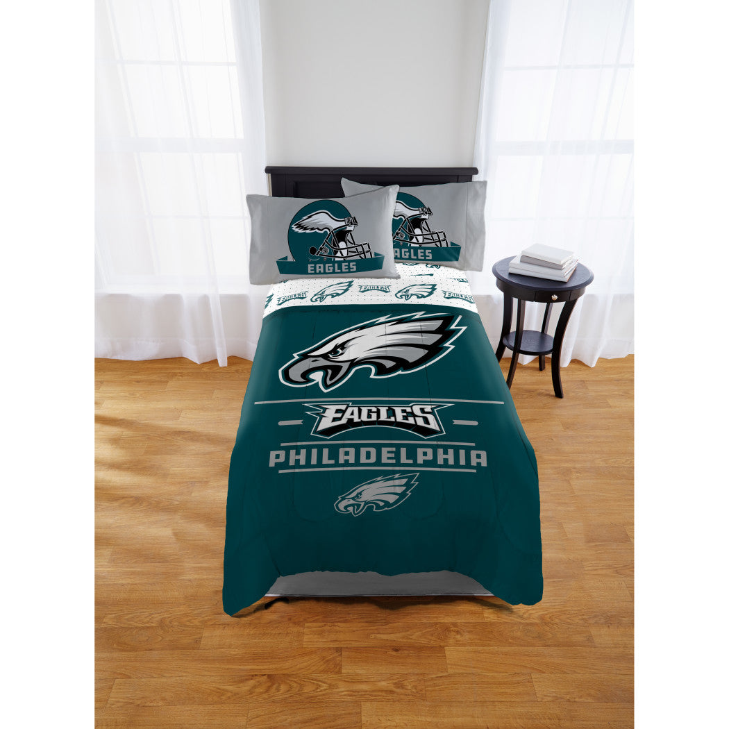 NFL Philadelphia Eagles Comforter Full Sports Patterned Bedding Team Logo Fan Merchandise Team Spirit Football Themed National Football League Blue