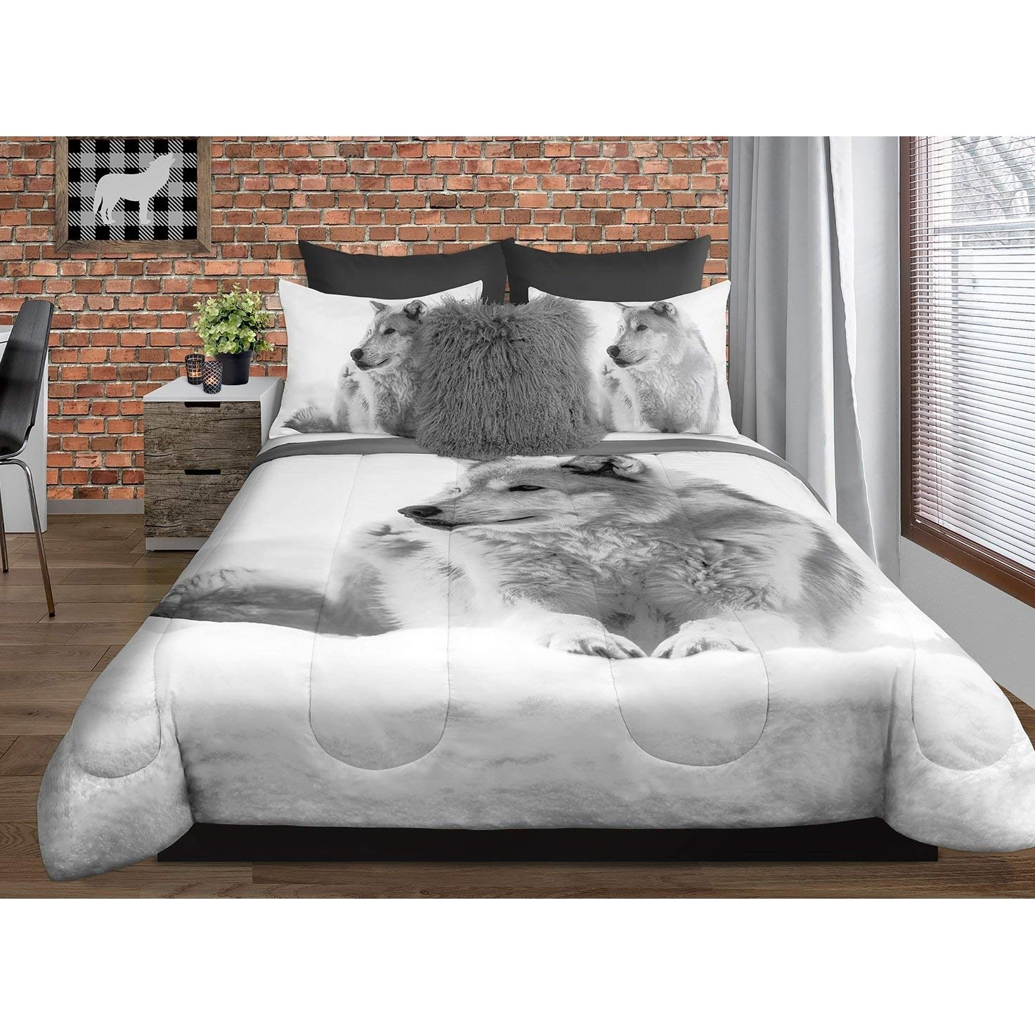 3 Piece White Grey Wolf Comforter King Size Snow Wolf Bedding Set Wild Outdoor Animal Themed Polyester