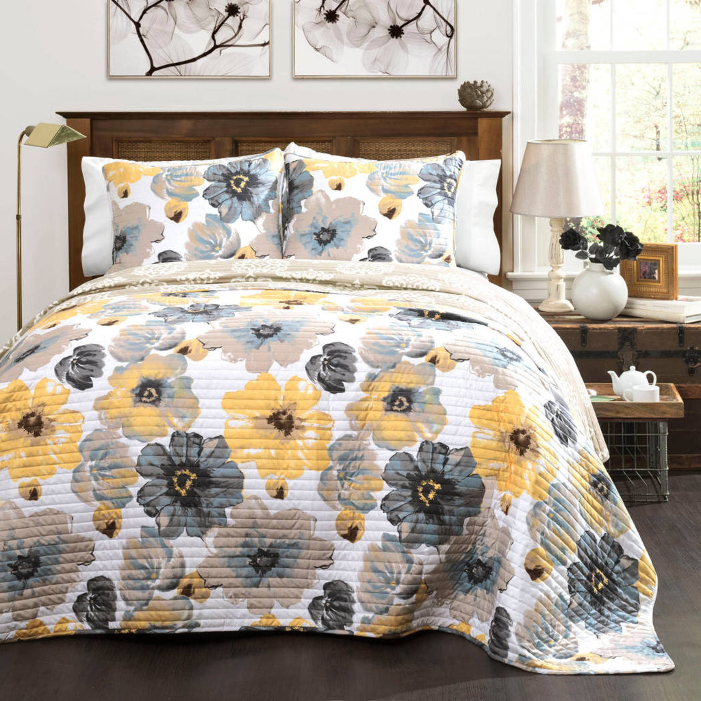 Quilt Set Bedspreads Teenage Girls Eye Popping Flowers Floral Quilt Chic White