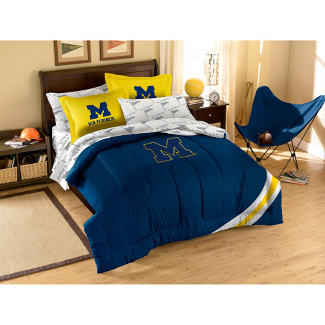 NCAA University Michigan Wolverines Comforter Twin Set Sports Patterned Bedding Team Logo Fan Merchandise Team Spirit College Basket Ball Themed Blue