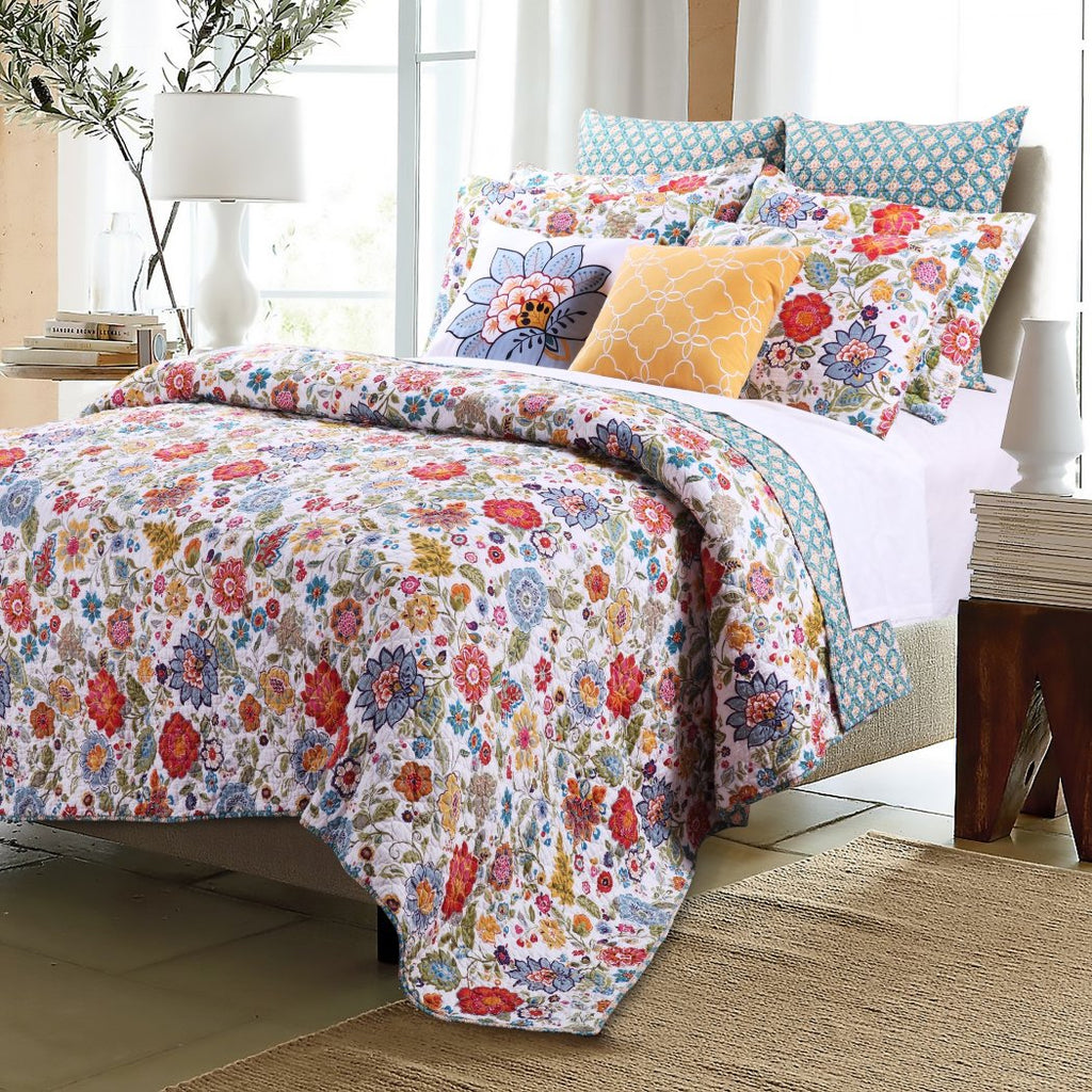 Cheerful Spring Floral Quilt Set Flower Themed Bedding Country Cottage Pretty Cotton