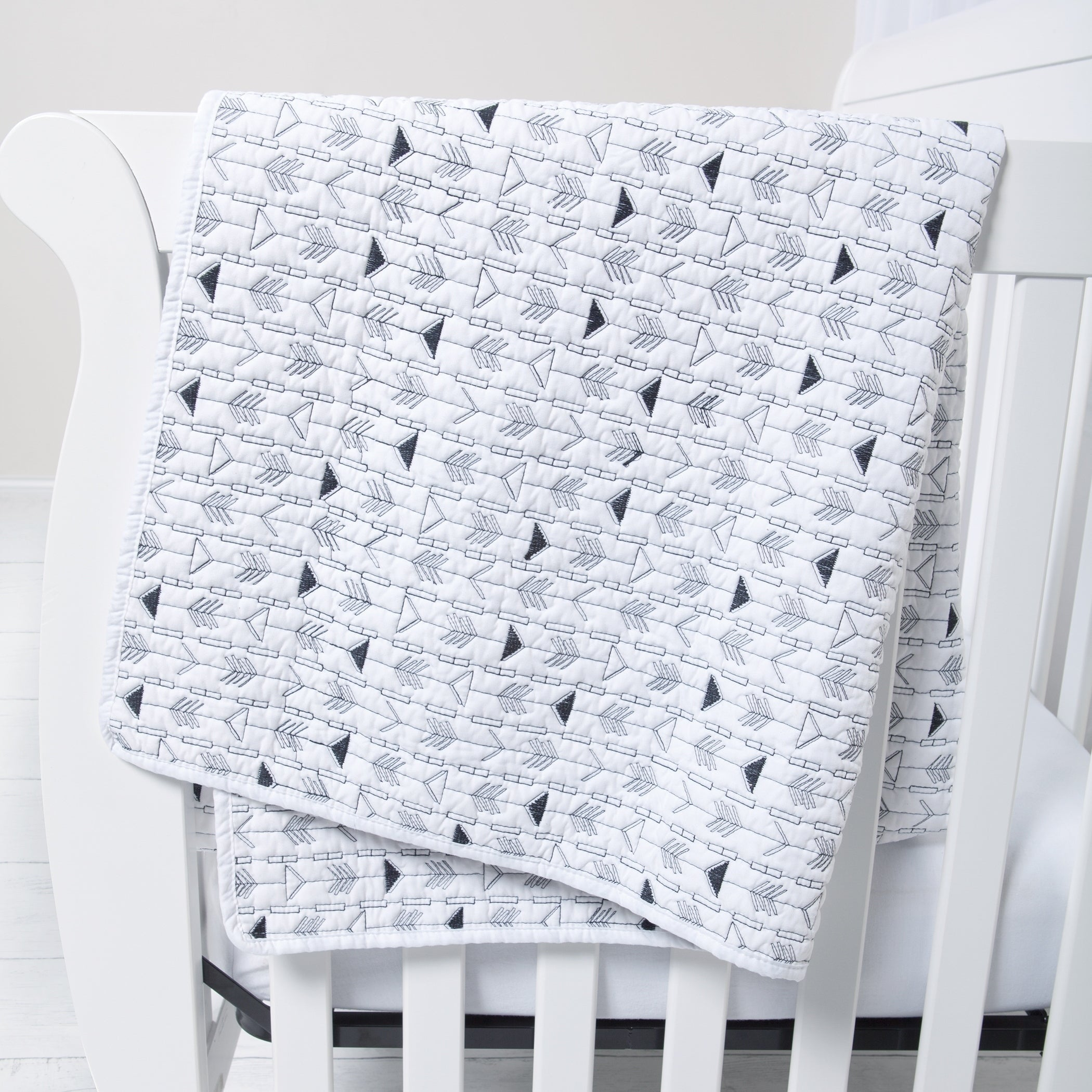 Black and White Arrows Quilt Novelty Neutral Basic Polyester - Diamond Home USA