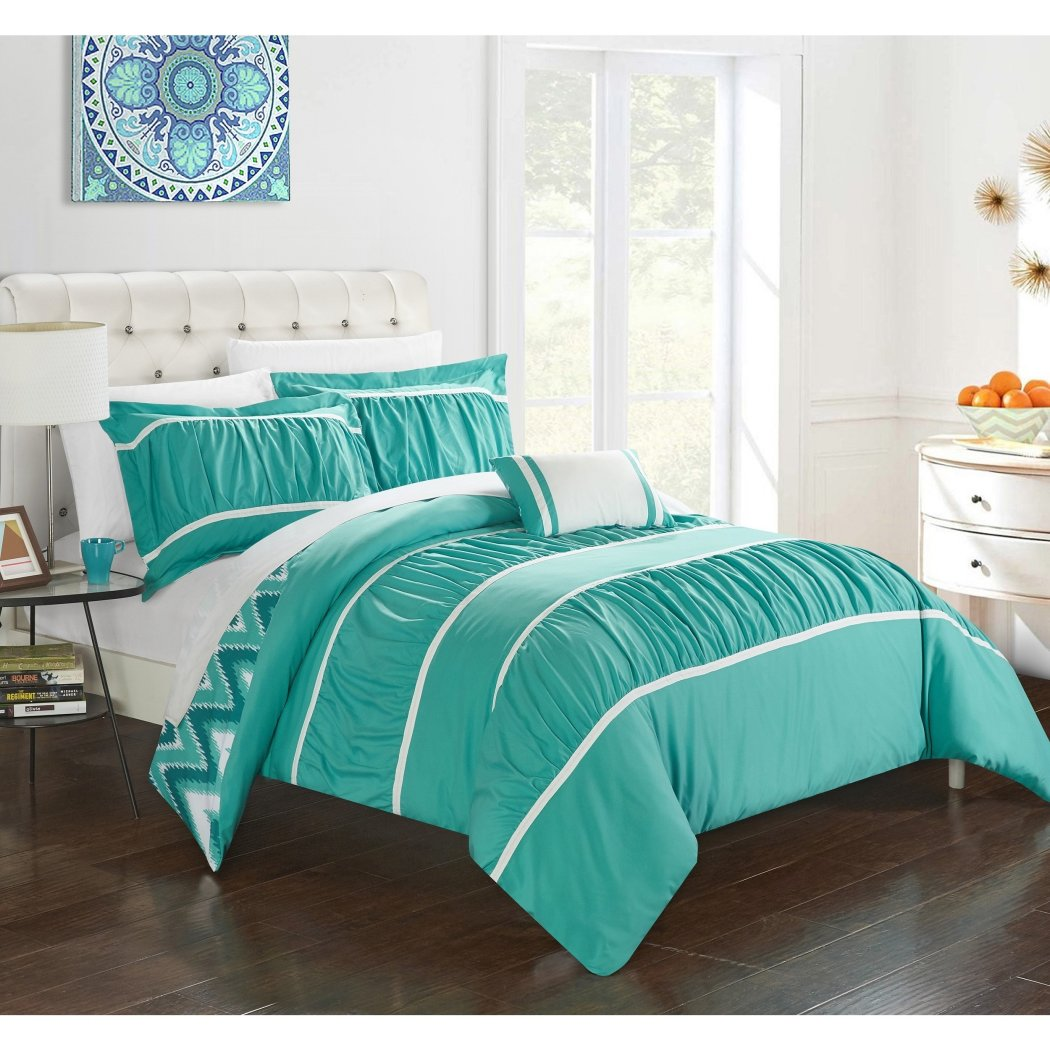 Gypsy Ruffled Comforter Set Pleated Textured Ruched Flowing Ruffles Pattern Layered Overlapping Gypsies Chevron Zigzag