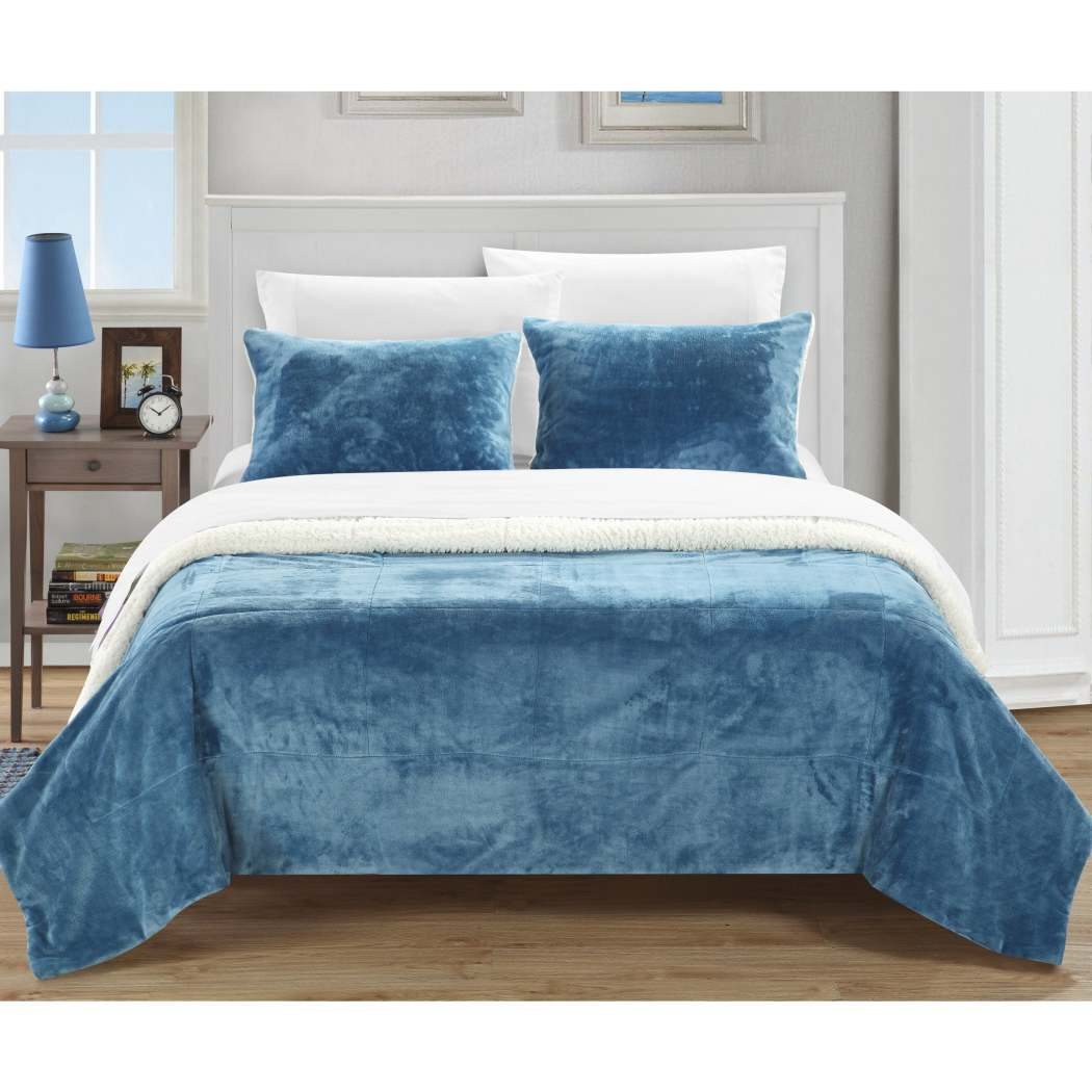 Square Pattern Comforter Set Luxurious Plush Microsuede Fabric Soft Cozy Bedding Elegant Sherpa Lining Design Modern Bedrooms