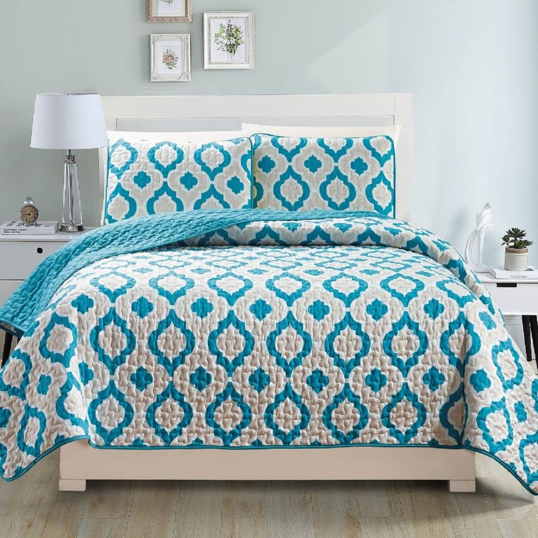 Quilt Set Diamond Themed Bedding Medallion Chic Geometric Trendy Modern Pretty Bright Vibrant Polyester