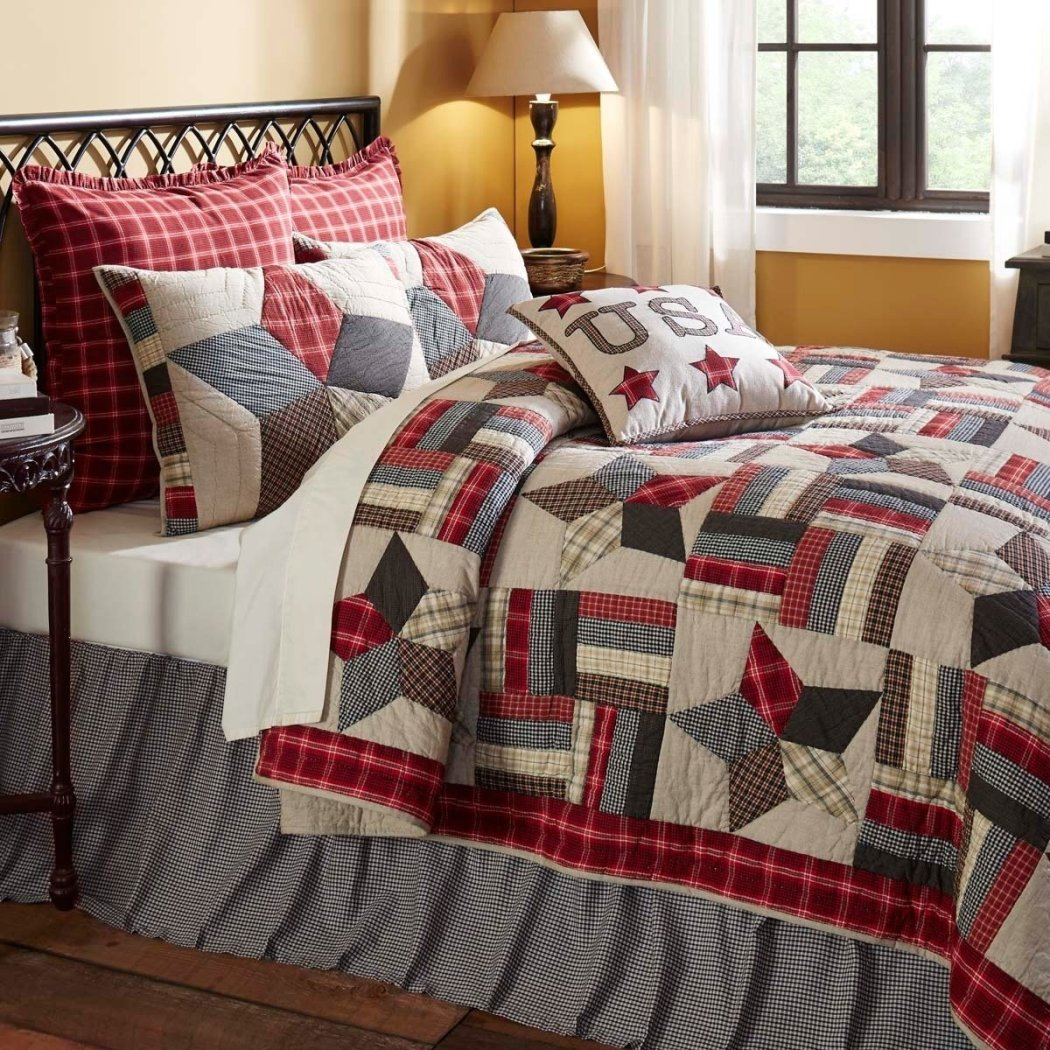 Patchwork Pattern Quilt Set Plaid Border Checkered Geometric Hexagons Star Western Stylish Adult Bedding Master