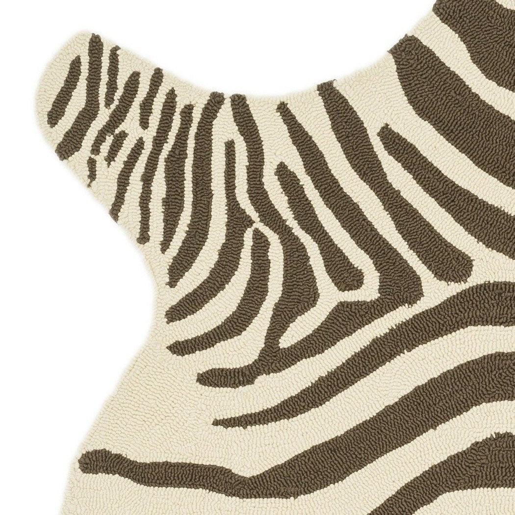 3'6 x 5'6 Indoor Outdoor Hand Hooked Zebra Striped Design Area Rug Polypropylene Safari Jungle Themed Wild Animal Free Form Porch Patio