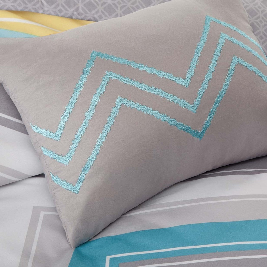 Girls Chevron Theme Comforter Set Chic Stylish Horizontal Zigzag Stripe Bedding Modern Girly Zig Zag V Shaped Themed Pattern White