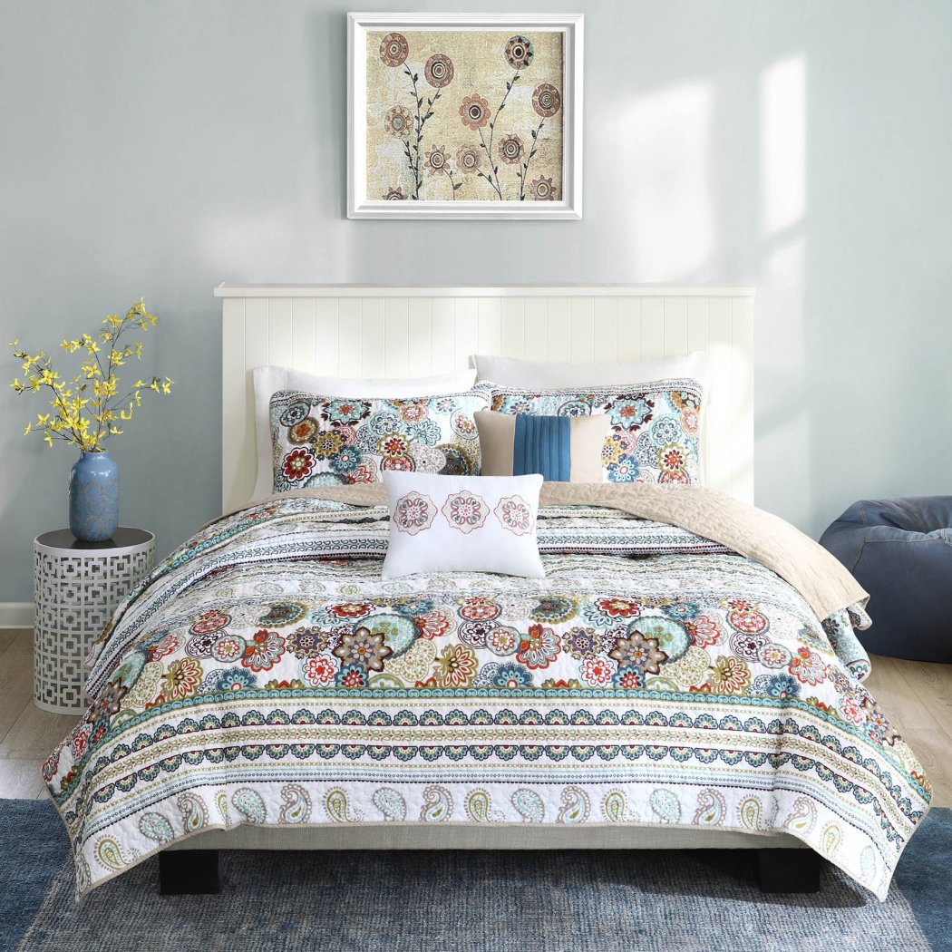 Paisley Coverlet Set Floral Damask Flower Stripe Pattern Theme Bedding Modern Shabby Chic French Country Flowers Motif Medallion