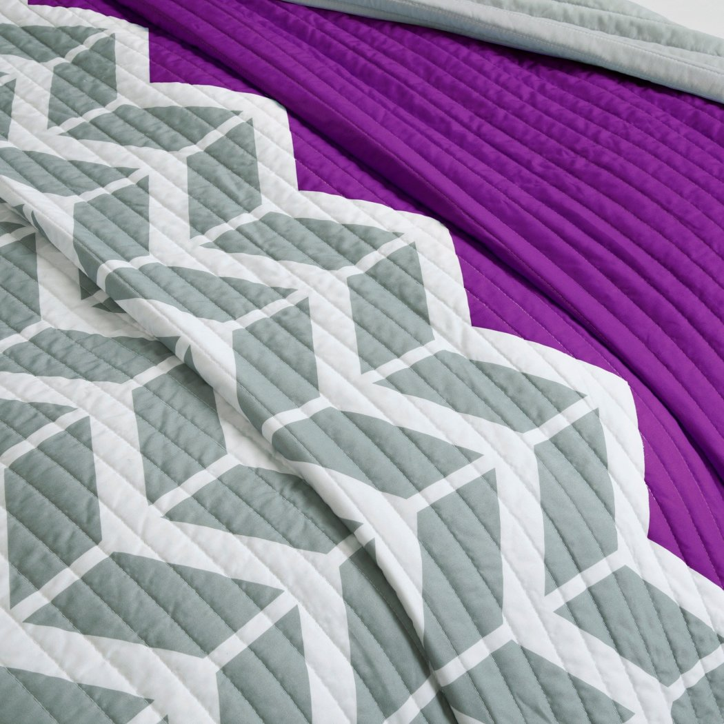 Coverlet Set Chevron Themed Bedding Crisp Stylish Chic Modern Trendy Zig Zag Geometric Bold Pretty Microfiber