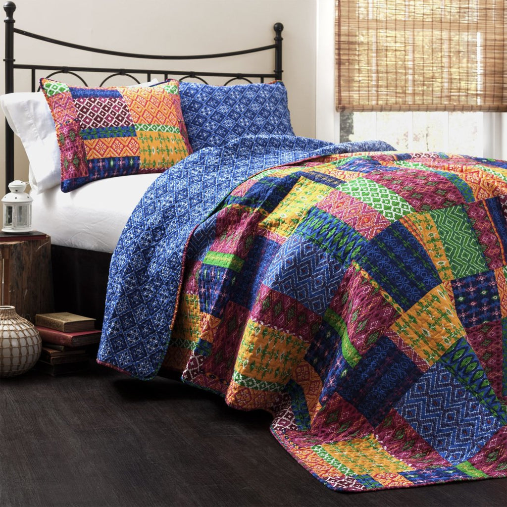 Soft Patchwork Geometric Pattern Quilt Coverlet Set