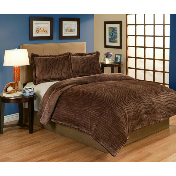 Cabin Lodge Wood Pattern Comforter Set Elegant Velvet Plush Sculpted Texture Design Soft Comfy Bedding Features Lightweight Warmth