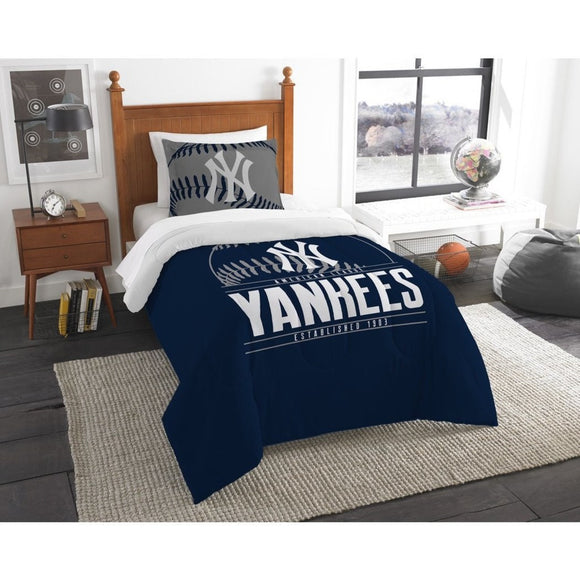 MLB Yankees Comforter Twin Set Baseball Themed Bedding Sports Patterned Team Logo Fan Merchandise Athletic Team Spirit Fan Navy Blue White Polyester - Diamond Home USA