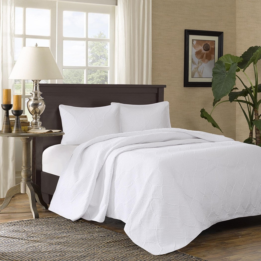 Oversized Bedspread Floor Extra Long Quilted Bedding Extra Wide Drops Over Edge Frame Drapes Down Sides Hangs Over Bed Touches