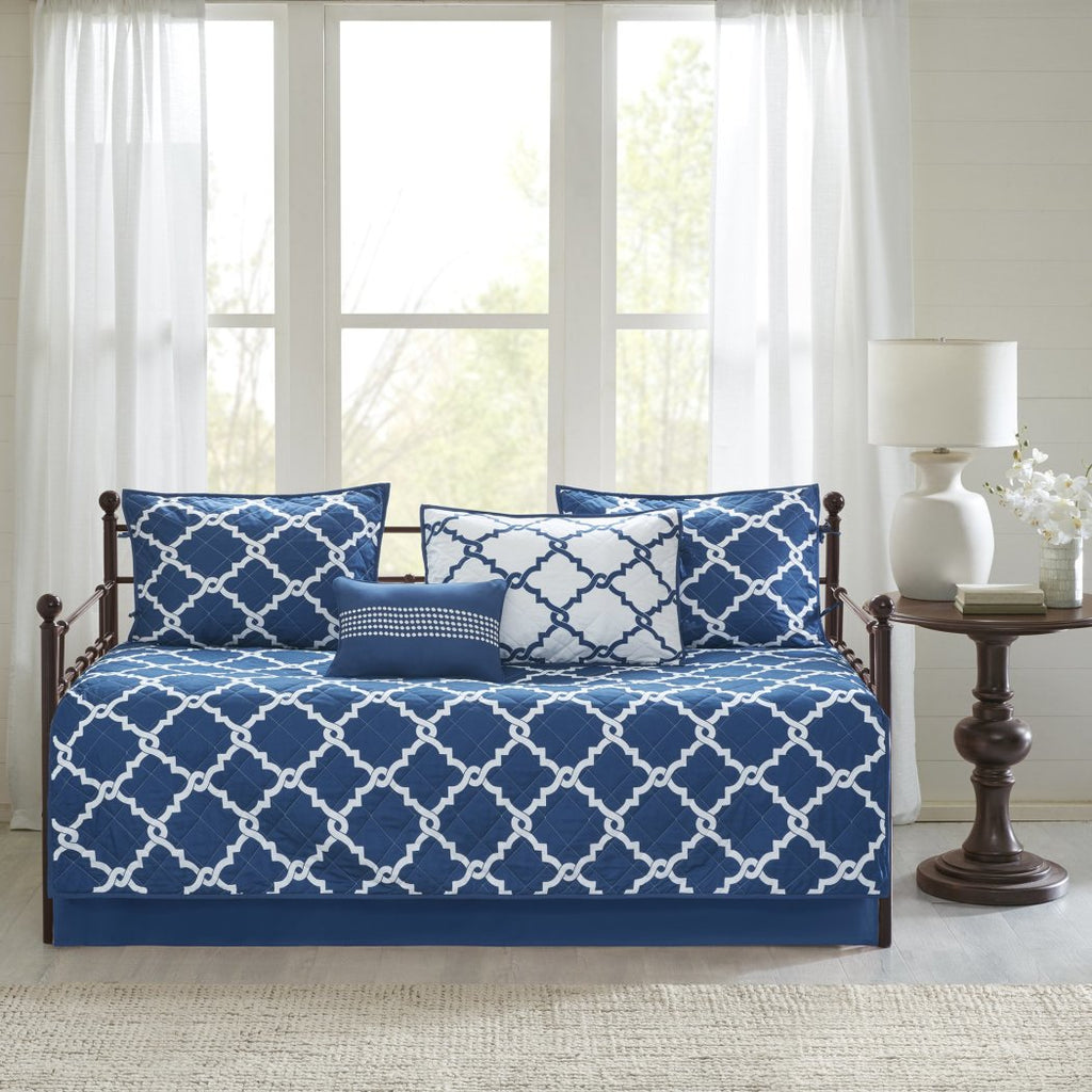 5 Piece Blue White Medallion Daybed Set Bedding Polyester Geometric Coastal Cottage Farmhouse Trellis Laitce Diamond Shape Pattern Day Bed Bedskirt Pillows Home Kitchen Bedding Sets Collections