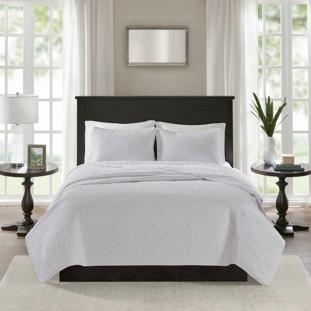 Extra Wide Quilted Coverlet Set Oversized Bedding French Country Classic Stitched Lightweight Summer Drops Over Edge